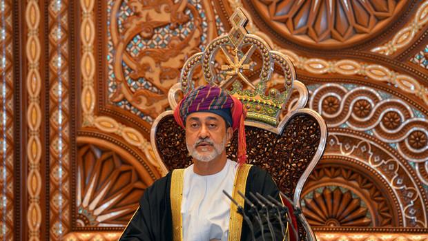 پادشاه عمان به خواست معترضان تن داد