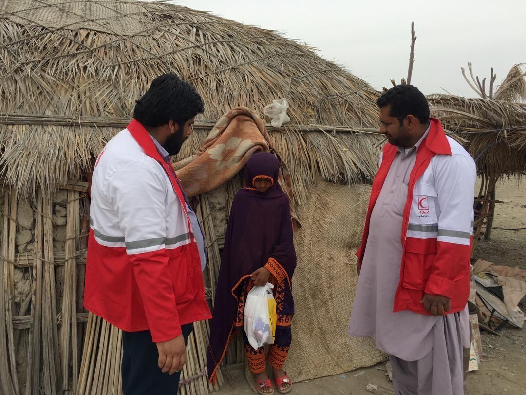 توزیع بیشاز پنج هزار بسته اقلام بهداشتی و حمایتی در ایرانشهر