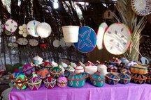 مسافران زمستانی بوشهر از صنایع دستی دالکی بازدید کردند