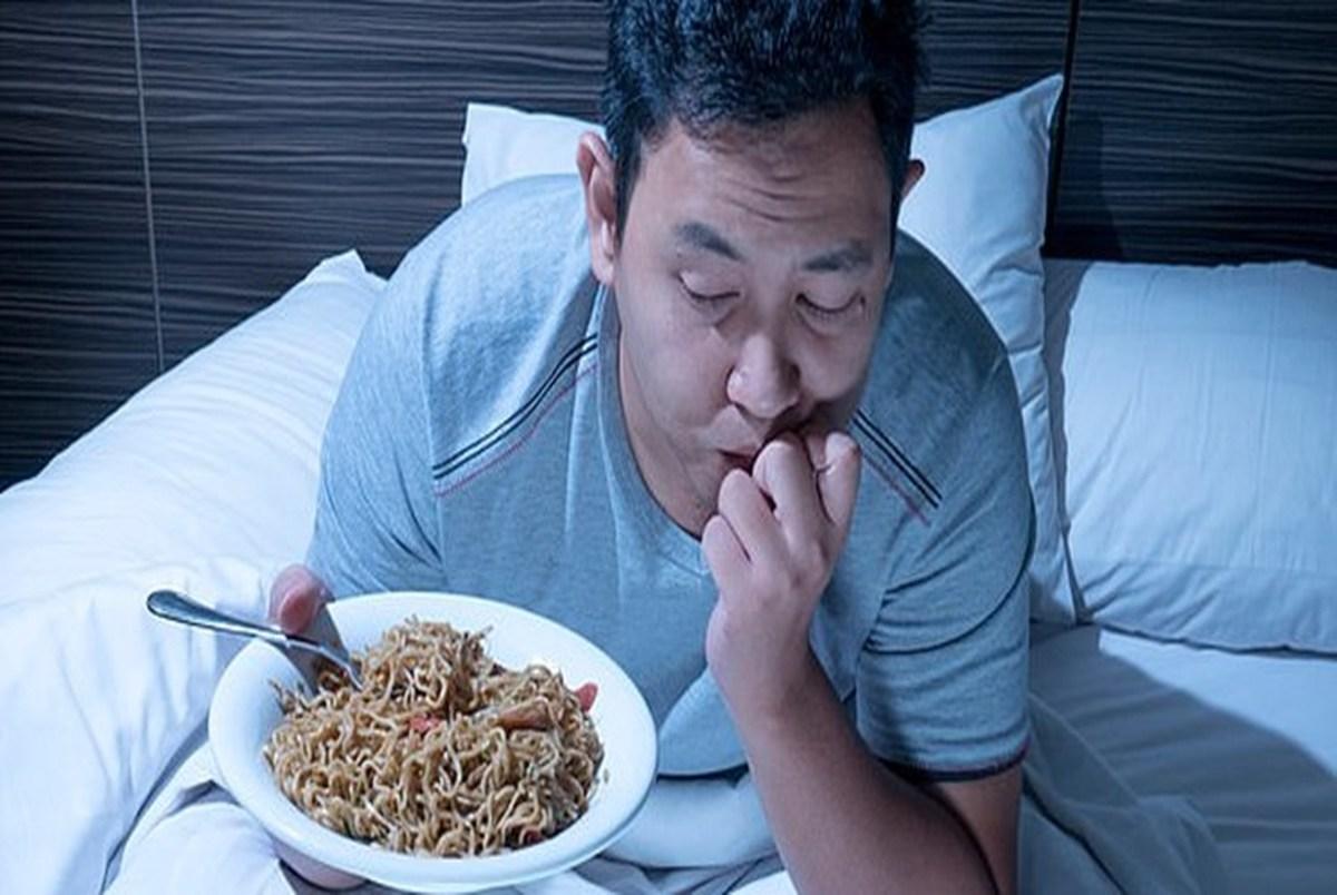 عذا خوردن پیش از خواب چه ضررهایی دارد؟