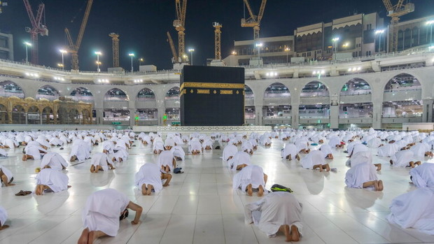 برپایی نماز استسقاء در سراسر عربستان+تصاویر