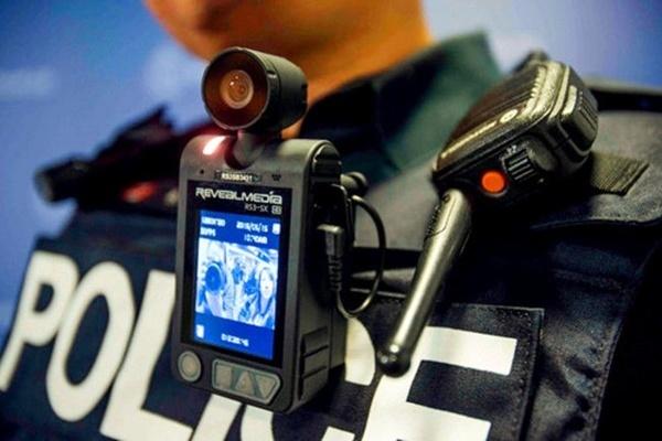 مجهز شدن ماموران نیروی انتظامی قزوین به لباس دوربین دار