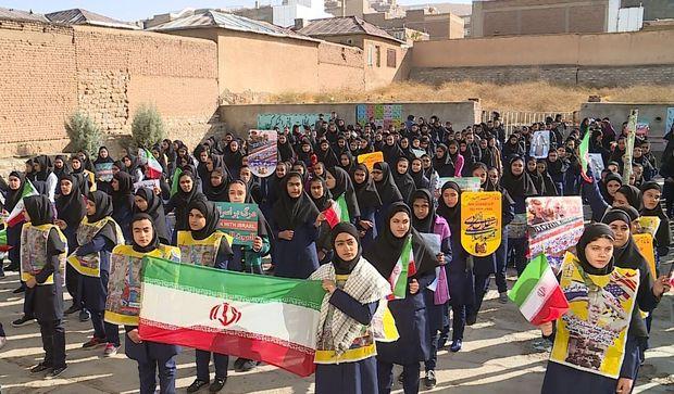 ۱۳ آبان نقطه عطف در استکبارستیزی مردم ایران است