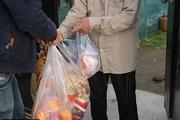 اوقاف همدان ۱۰ هزار بسته حمایتی بین نیازمندان توزیع کرد