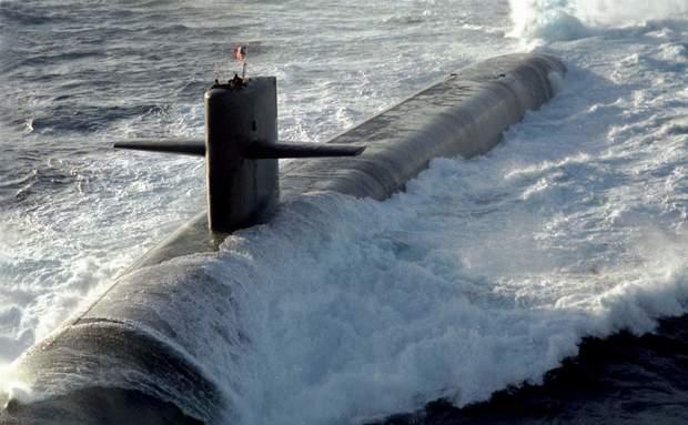 زیردریایی هستهای آمریکا در دریای چین جنوبی دچار حادثه شد