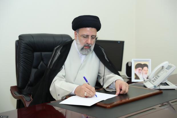 رئیسی درگذشت برادر آیت الله مکارم شیرازی را تسلیت گفت
