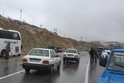 برخورد ۴۰ دستگاه خودرو، آزادراه قزوین - زنجان را همچنان مسدود کرده است