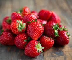 چه کسانی نباید توت فرنگی مصرف کنند؟