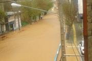 سیلاب وارد خیابانهای کلات شد