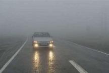 برف و باران سطح جاده های کوهستانی زنجان را لغزنده کرده است