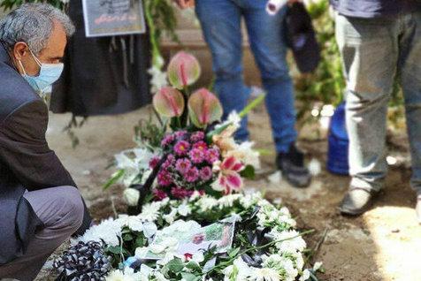 مراسم خاکسپاری نادر دست نشان با حضور اهالی فوتبال + تصاویر