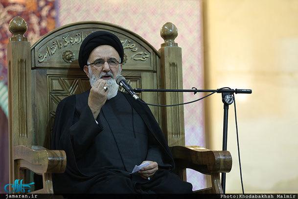 حجت الاسلام و المسلمین هاشمیان: محبوبیت امام خمینی به خاطر دور نشدن او از معنویات است