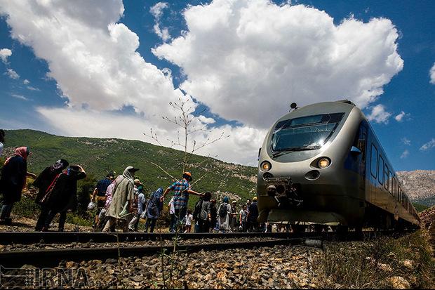 قطار گردشگری لرستان رونمایی شد