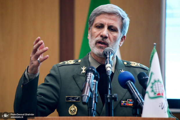 وزیر دفاع: ظرفیتها و توان علمی و فناورانه زیادی در کشور ایجاد شده است