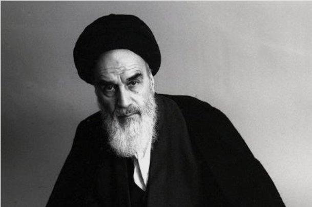 امام خمینی چگونه ملقب به «امام» شد؟