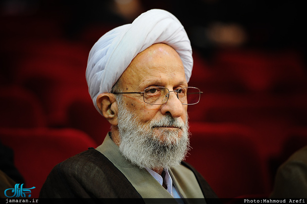 عیادت نماینده رهبر انقلاب از آیت الله مصباح یزدی + فیلم