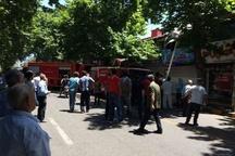 مهار آتشسوزی خیابان شهید کریمی توسط آتشنشانان شهرداری لاهیجان