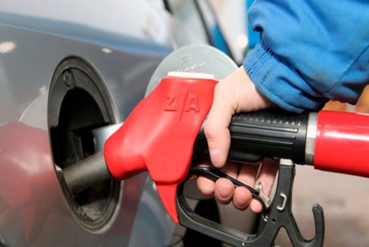 احتمال تغییر قیمت بنزین/ یک طرح در مجلس بررسی می شود/ اظهارات یک عضو کمیسیون انرژی
