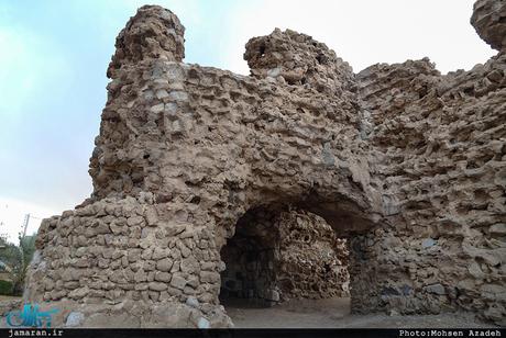 دیوار قلعه پرتغالی ها فروریخت