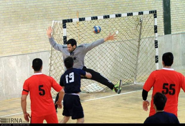 هندبالیست های کرمانی در صدر جدول لیگ برتر