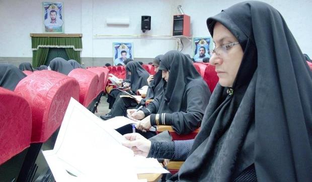 مسابقه وصیت نامه شهدا در مهریز برگزار شد