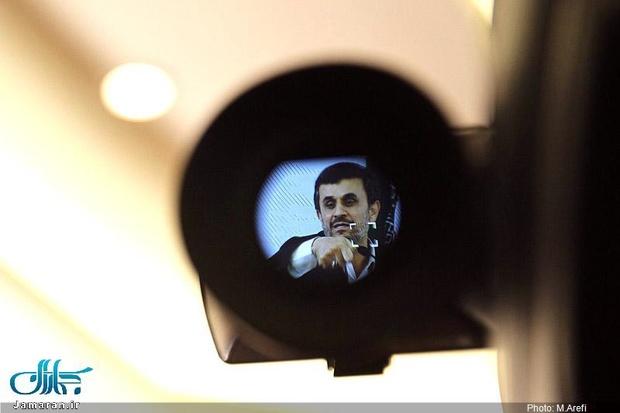 اشاره جدی احمدی نژاد به احتمال حضورش در انتخابات 1400، مخالفتش با گشت ارشاد و ادعایش در مورد دور کردن خطر جنگ از ایران