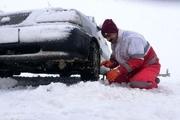 هلالاحمر همدان به ۸۶ مسافر گرفتار در برف امدادرسانی کرد