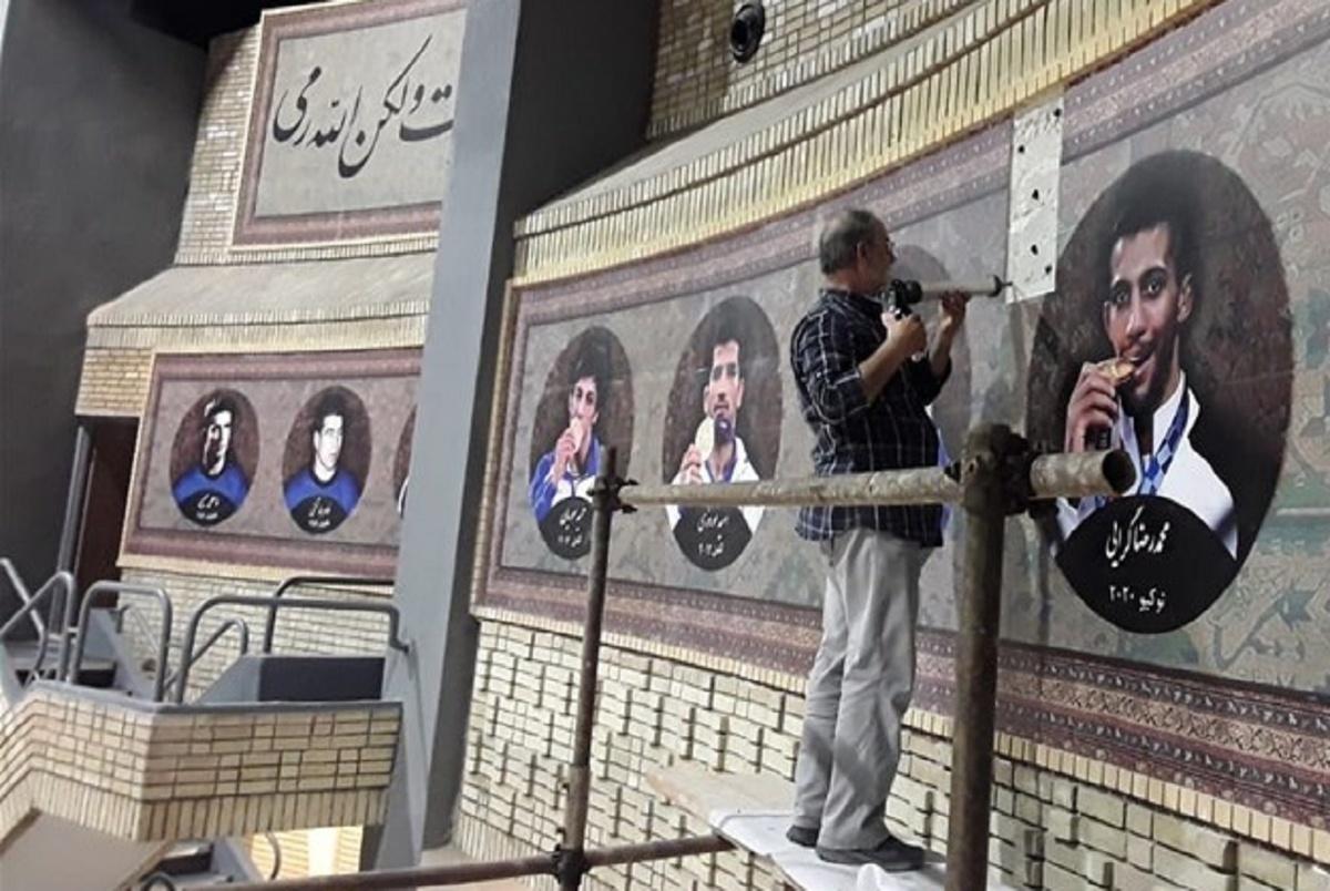 محمدرضا گرایی در کنار طلاییهای المپیک در خانه کشتی+ عکس