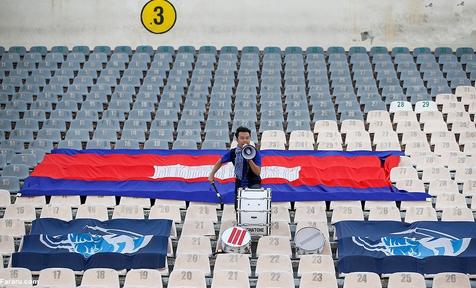 هوادار تنهای کامبوجی ها در ورزشگاه آزادی که بود؟