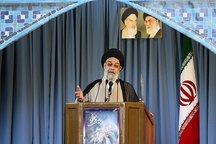 امام جمعه اصفهان: مادران شهدا خالق شگفتی های شهادت هستند