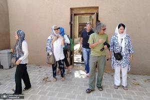 بازدید گردشگران صربستانی از بیت تاریخی امام در خمین
