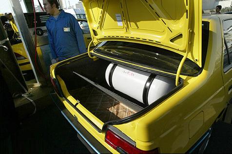 ارائه کمک بلاعوض برای دوگانه سوز کردن وانت ها و تاکسی ها