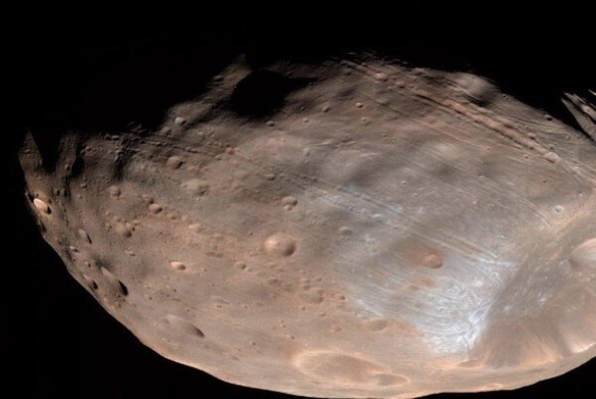 ژاپن از قمر مریخ نمونه برداری می کند