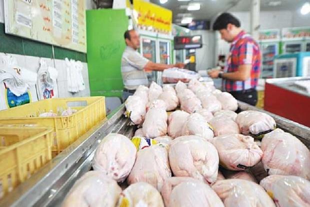 نظارت بر توزیع کالاهای اساسی در اردستان افزایش می یابد