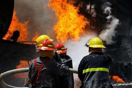 آتش سوزی در کارخانه کرمان موتور مهار شد