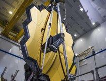 نصب آینه اصلی تلسکوپ فضایی