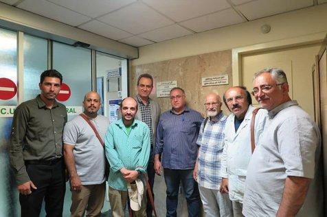 عیادت از قدیمیترین شاهنامهخوان ایرانی در بیمارستان/ عکس
