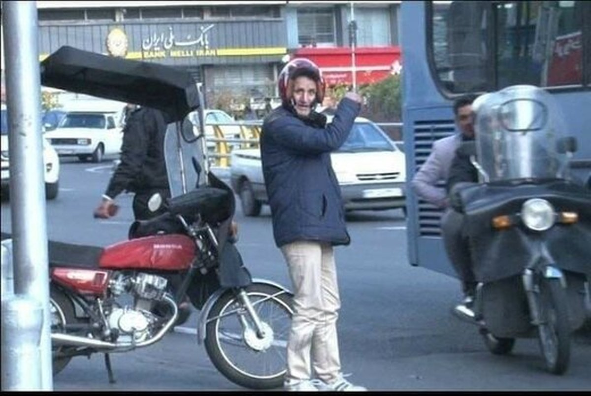 بازیکن سابق پرسپولیس چادرنشین شد!+ عکس