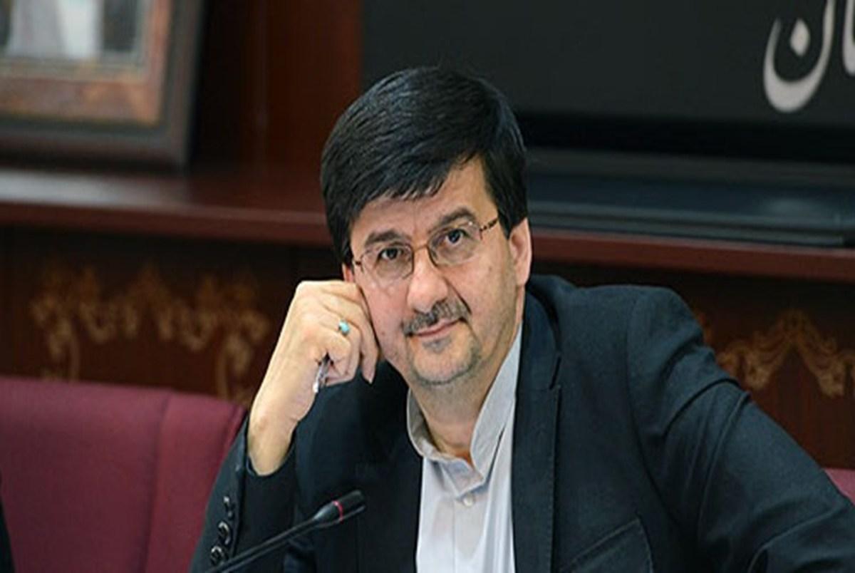 احمدی: سکوهای هواداری نباید درباره رفتن یا ماندن مدیرعامل یک باشگاه تصمیم بگیرند