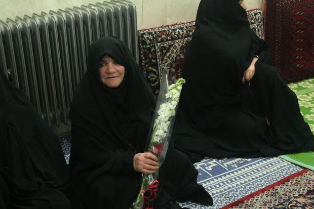 آیین نکوداشت مادران آسمانی در مهریز برگزار شد