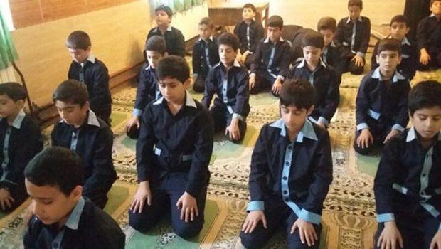 نماز جماعت در ۹۷ درصد مدارس استان قزوین برپا میشود