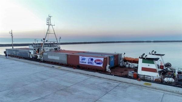 کشتیهای  تجاری از مسیر کریدور بینالمللی چین، قزاقستان، ایران وارد مجتمع بندری کاسپین شد
