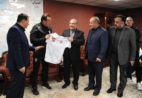معاونان سلطانیفر و مسئولان فدراسیون فوتبال در کمیسیون اصل ۹۰ مجلس