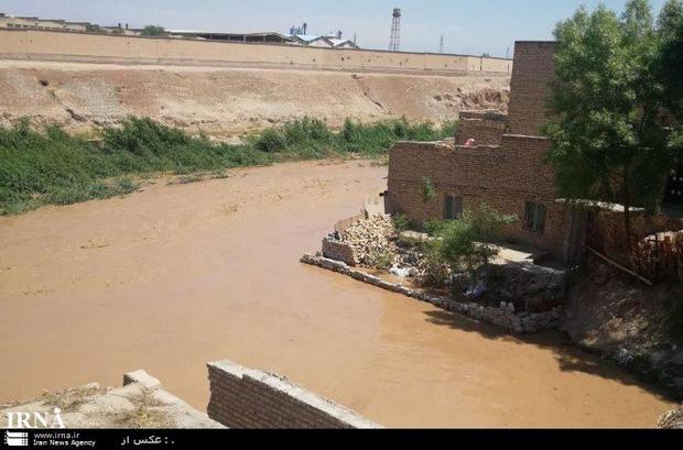 یک مسئول: آب سد ماملو وارد رودخانه باقرآباد قرچک شد