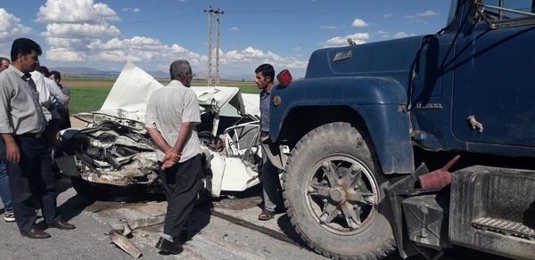 خواب آلودگی راننده پیکان حادثه آفرید  3 جوان در تصادف با تریلر کشته شدند