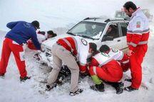 25 خودروی گرفتار برف درجاده های استان مرکزی امدادرسانی شدند