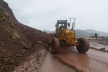 بارش بی وقفه باران موجب ریزش کوه در محورهای آذرباجان شرقی شد