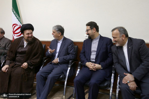 دیدار وزیر، معاونان و مدیران وزارت ارشاد با سید حسن خمینی