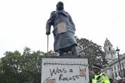 مجسمه چرچیل از بیم معترضان ضدنژادپرستی در لندن باندپیچی شد