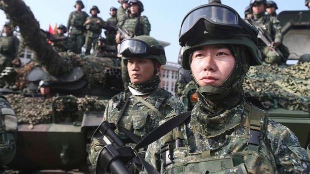 تنش نظامی میان چین و آمریکا بر سر تایوان سرعت گرفت